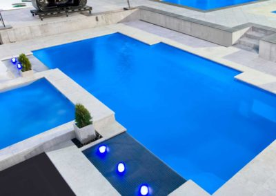 White Travertine pool coping and tiles