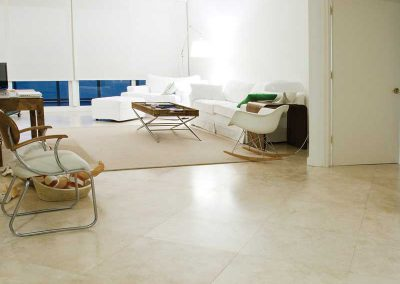 White travertine flooring tiles