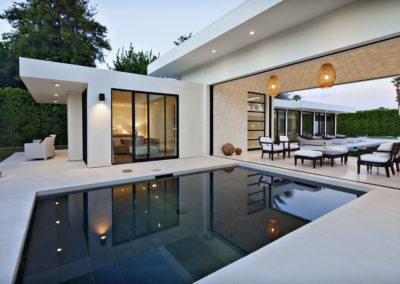 White-patio-furniture-pool-modern-interior-designs-with-indoor-outdoor-living-indoor-outdoor-living-9