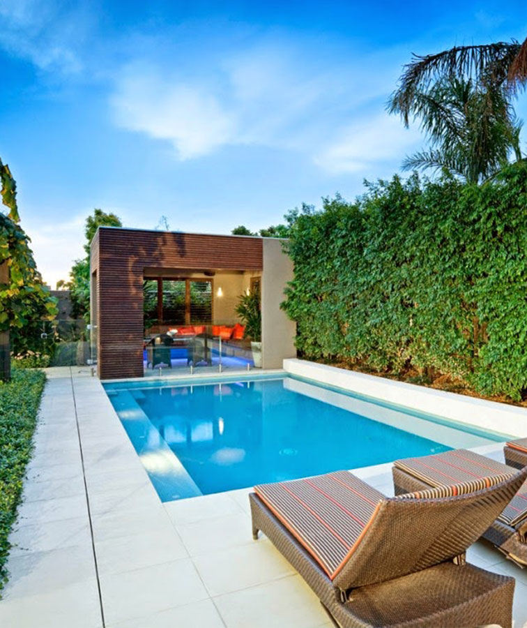 White pool tiles & pool coping pavers in Melbourne