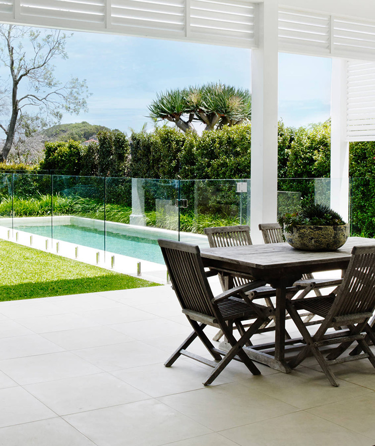 white outdoor tiles and pavers in Sydney and Melbourne